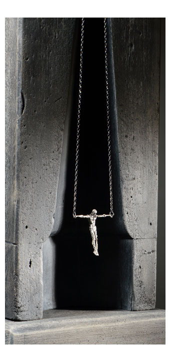 Cruciform Pendant, 2016 - David Robinson